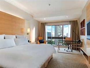 King Hilton Executive Room Breakfast Hot Deal