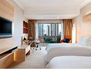 Twin Hilton Deluxe Plus Breakfast Hot Deal
