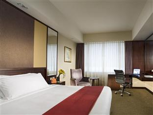 Superior Last Minute Deal with Free Internet & Minibar