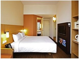 Standard Queen Room - Special promotion–Hotels on Sale