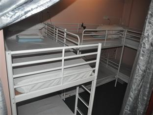 6 beds dormitory