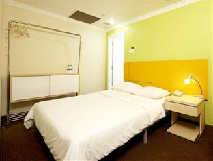 Double Room: With WiFi and Breakfast